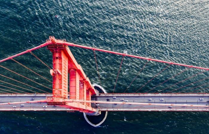 bridge-1844922_1920.jpg
